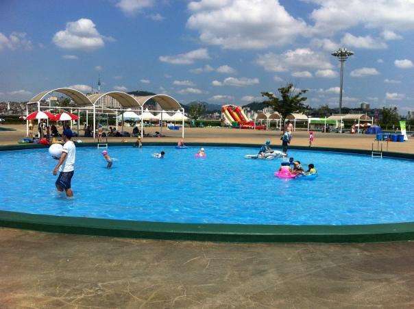 Hangang Swimming Pool Hannam Seoul